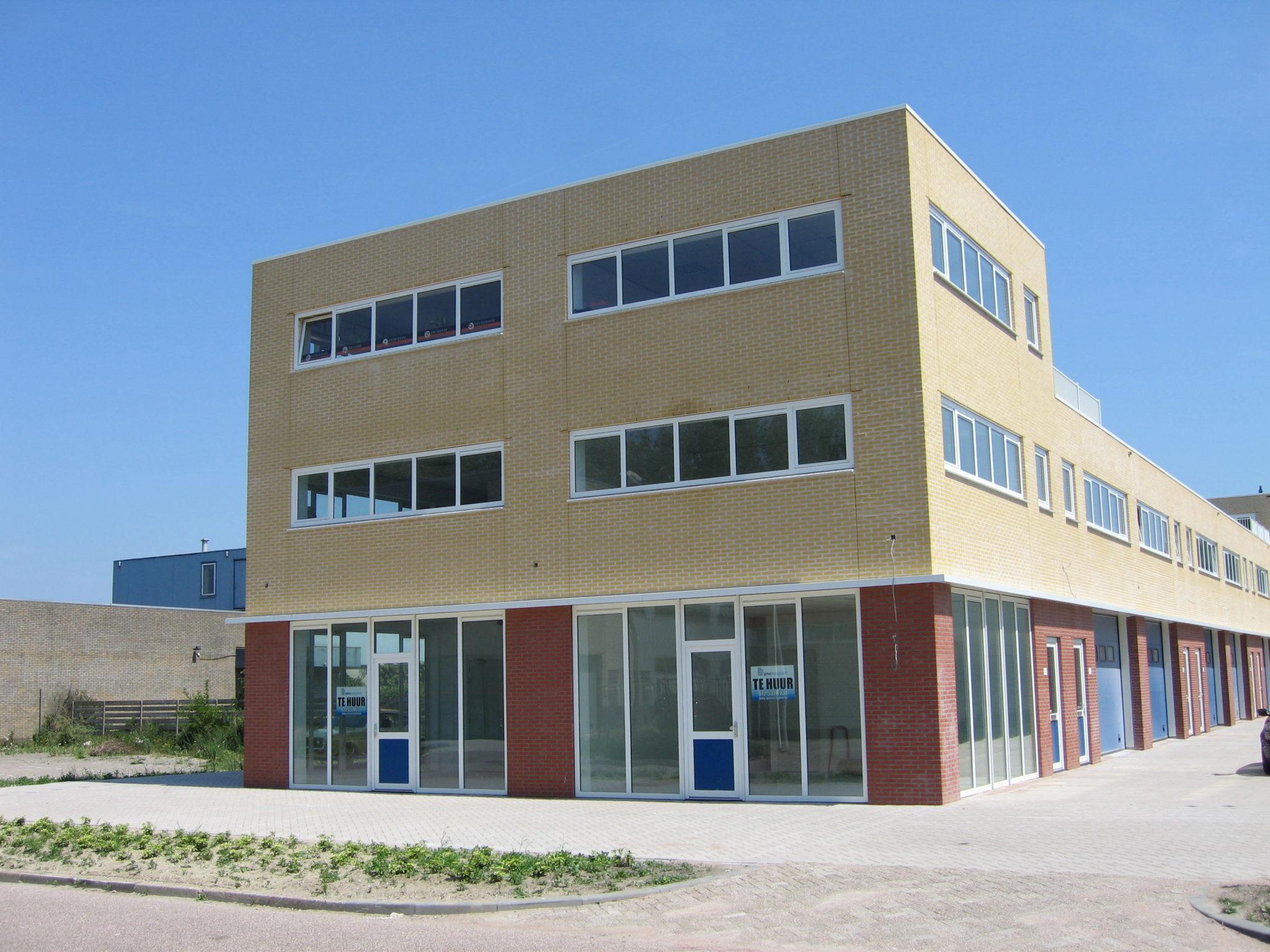 Kantoor- praktijkruimte met dakterras huren Alkmaar, Kamerlingh Onnesstraat 27J
